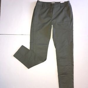 Chico's The Ultimate Fit Green Pants Slim Leg Sz 6